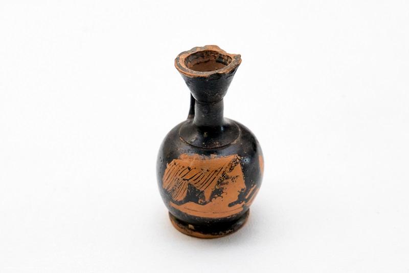 Арибаллический лекиф - сосуд для масла. Древняя Греция (Аттика), IV в. до н.э. Глина